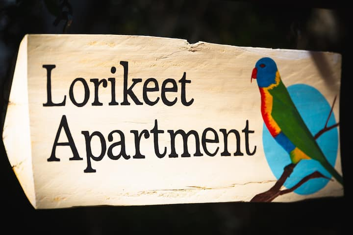 Cosy & relaxing country getaway at Lorikeet Studio Apartment