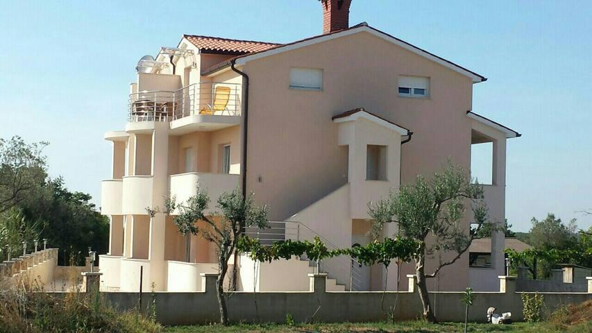 Pula Kroatien Istrien - Peroj  - Appartement