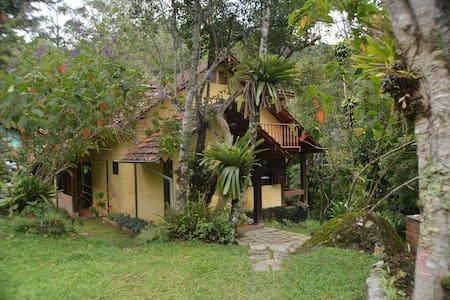 Chale do Rio - Itatiaia - บ้าน