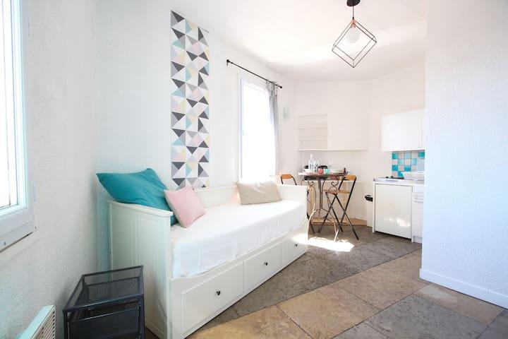 Studio-Vue magnifique sur le quartier historique - Montpellier - Flat