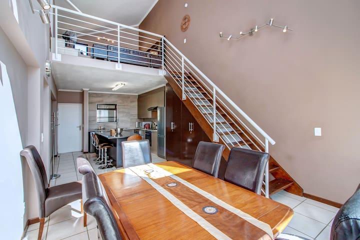 Ultra Modern Luxurious 2 Bedroom Apartment Sandton