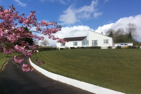 Hilltop View, Pettigo, Co Donegal, - County Donegal - Bed & Breakfast