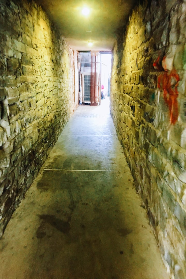 Kingston's most haunted alleyway!