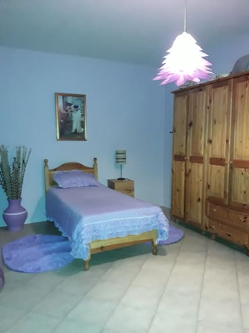 Single room in a cottage with views - Għajnsielem - Rumah