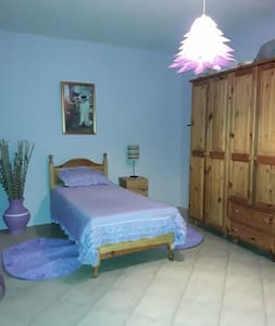 Single room in a cottage with views - Għajnsielem - Casa