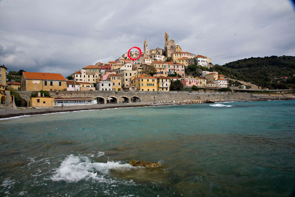The hilltop village of Cervo by the sea with exact location of the apartment.