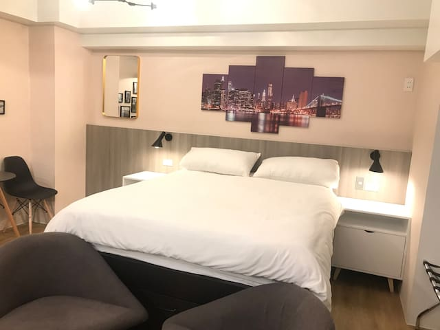 Modern Cozy Home w/parking & fast internet&netflix
