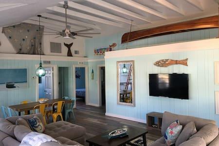"""Beach Life 3"" 3BR Beach Cottage Ti"