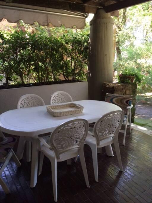 patio sul giardino
