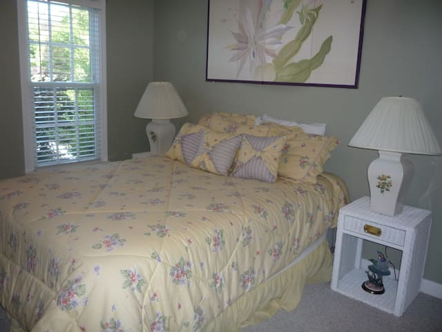Relaxing and Upscale Stay near UNCC
