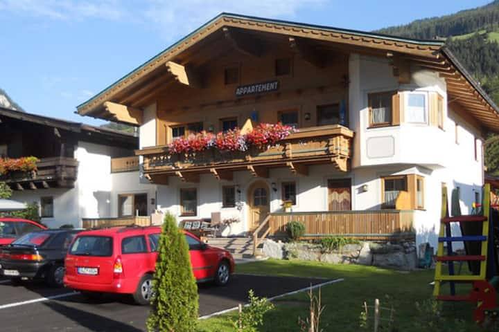 Lovely Apartment in Wald im Pinzgau with Terrace