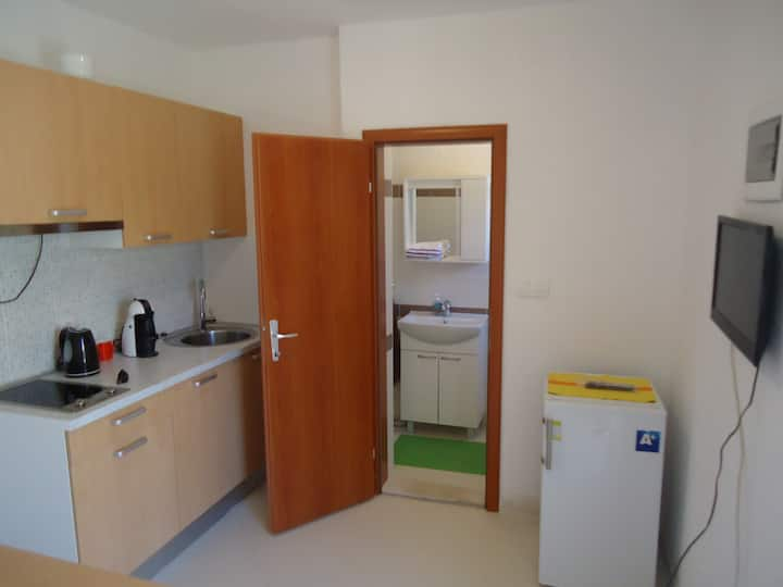 Beppo studio apartment-Mirca