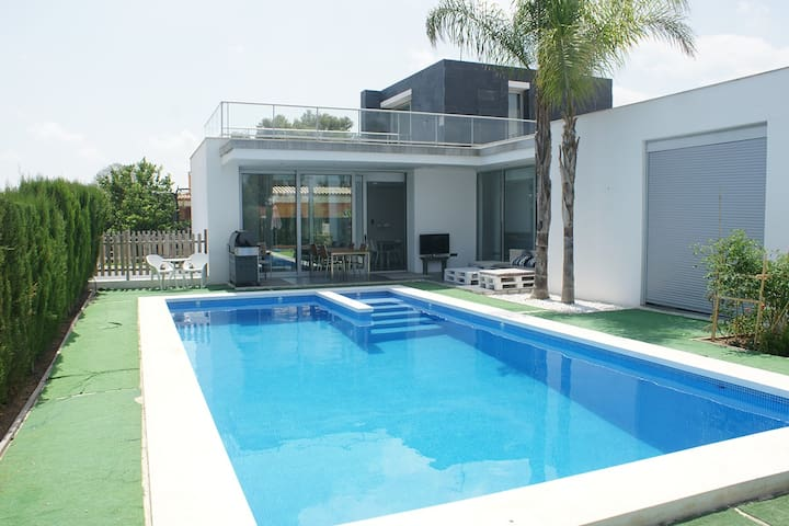 Holiday villa close to Valencia - L'Eliana - 一軒家