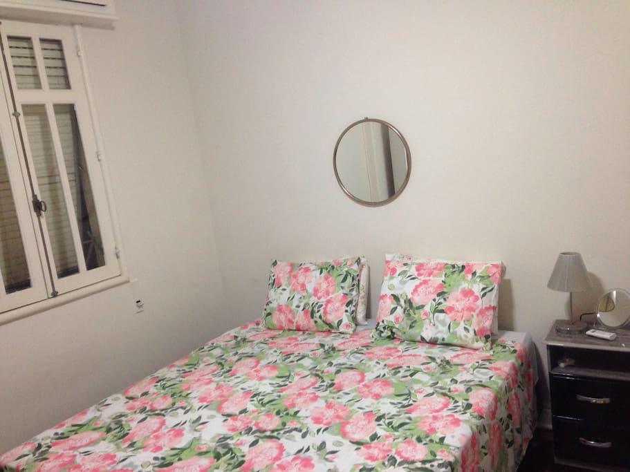 卧室二,可以分开成两张单人床