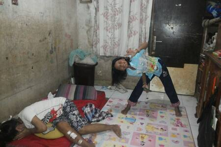 A Shared Room in Small House - West Jakarta - Bed & Breakfast