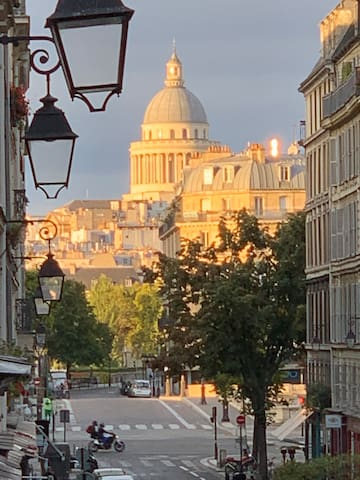 PARIS RIVOLI NOTRE DAME  Ch d'Hôte studio PRIVATE
