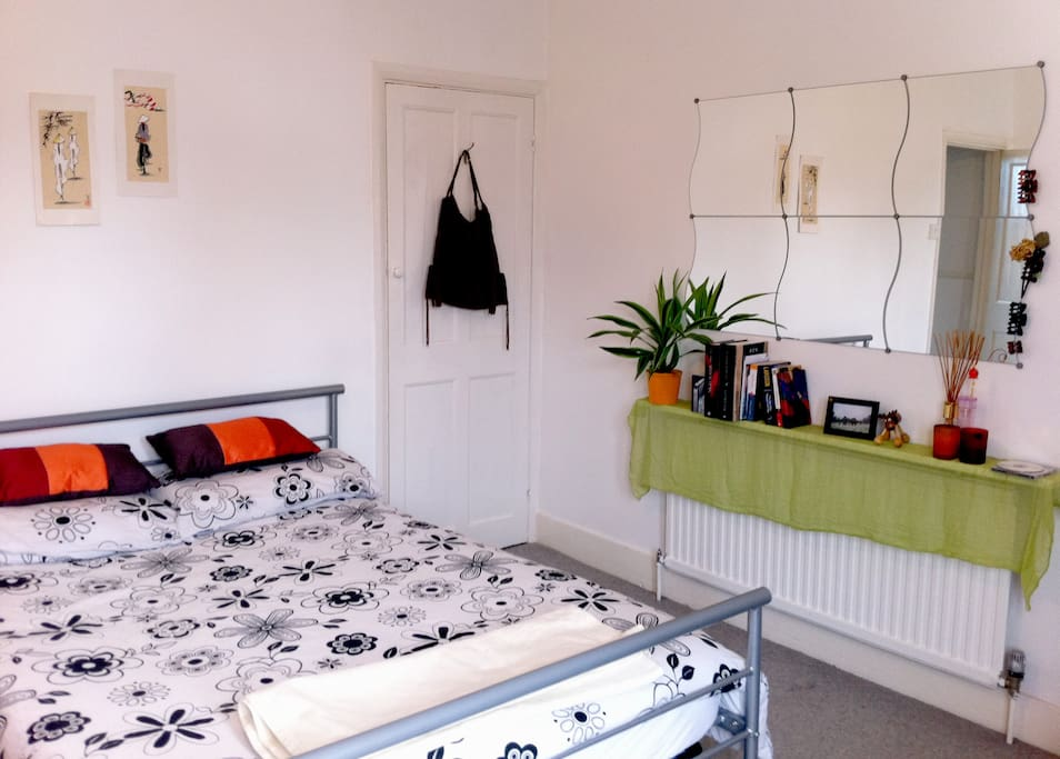 Spacious and clean EN SUITE Double Room