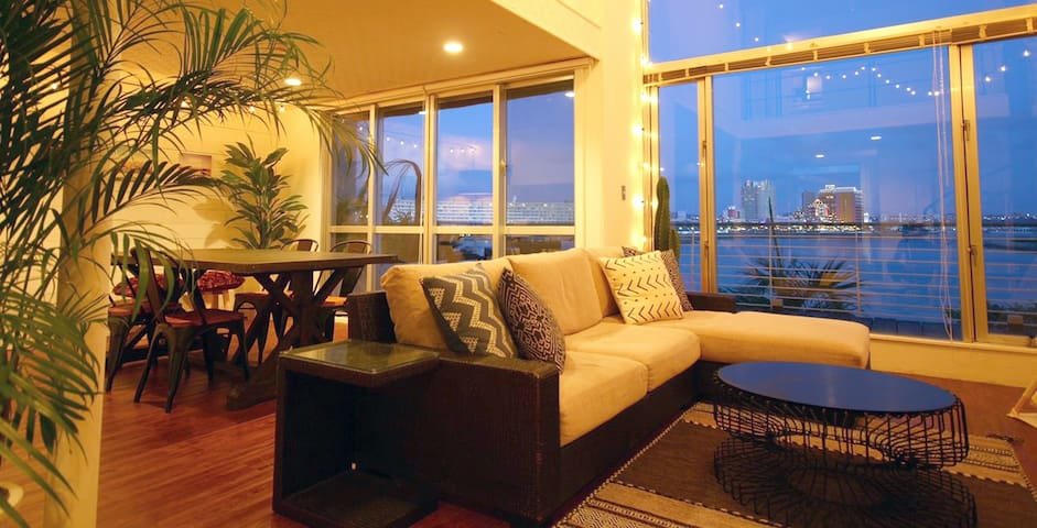 GREAT VIEW! 2BR CONDO BY THE SEA