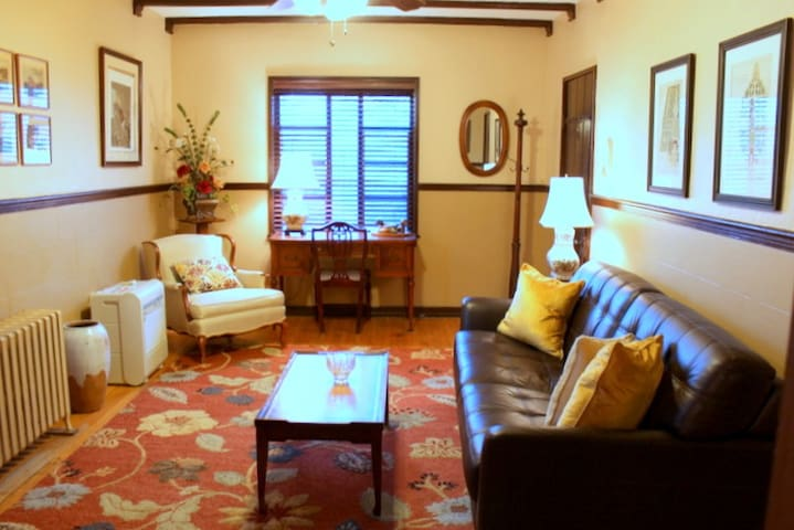 Sunny 1 Bedroom apartment in Historic Building - ซินซินแนติ