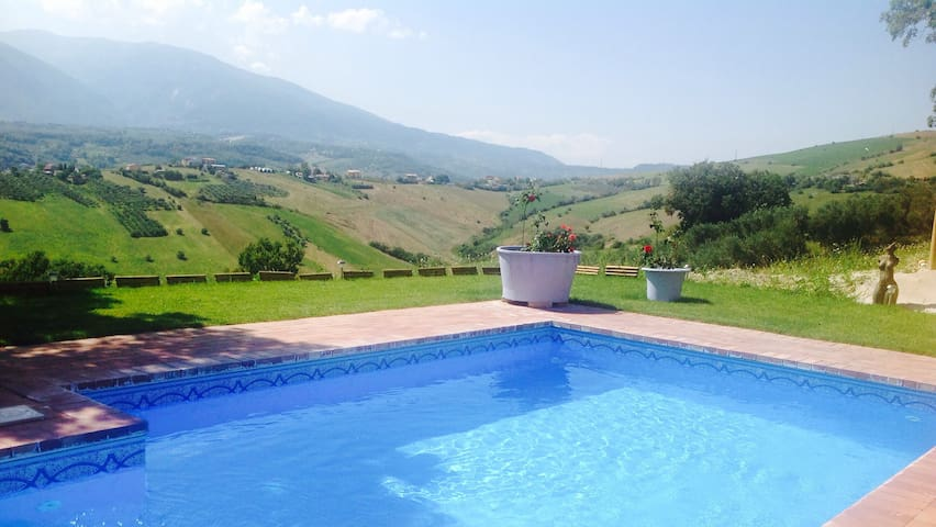 Villa Di  Spectacular Views Private Pool WIFI - Casoli - Villa