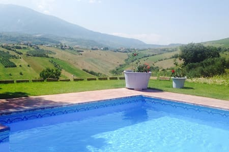 Villa Di  Spectacular Views Private Pool WIFI - Casoli - Casa de camp