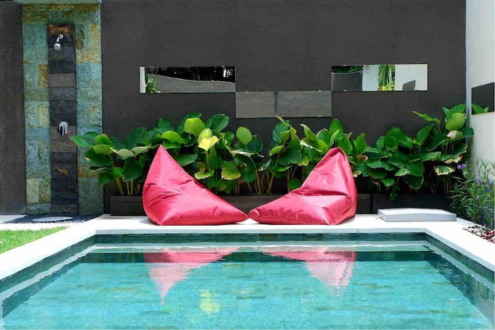 Mirror Bali Holiday 1BR - FREE PICK UP Airport
