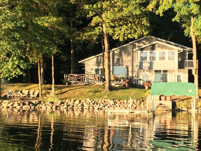 Lake Sylvia Retreat