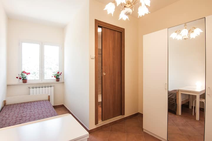 Single Room with bathroom, Frascati