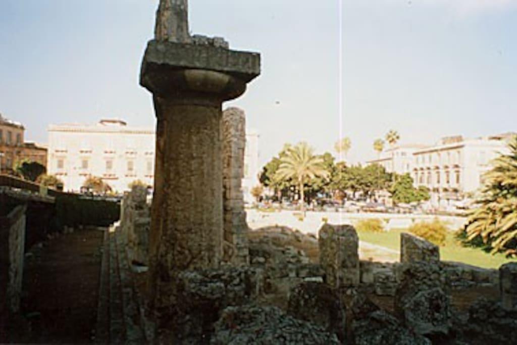 il Tempio di Apollo, a 50 metri da casa