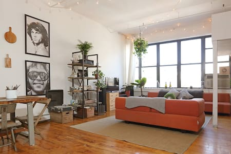 1BR Loft/Warehouse in Williamsburg