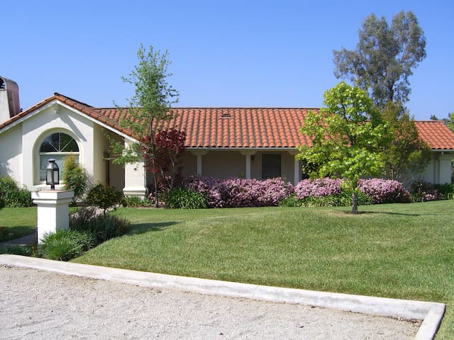 Guest House Off of Circular Drive