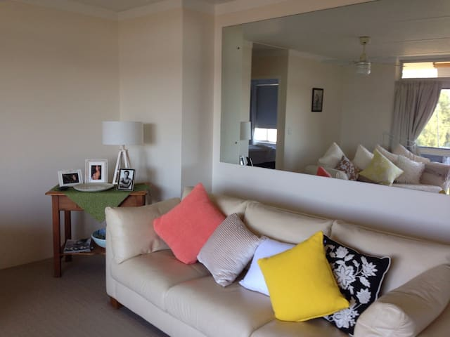 Stunning River Side Apartment - Tweed Heads - Apartment