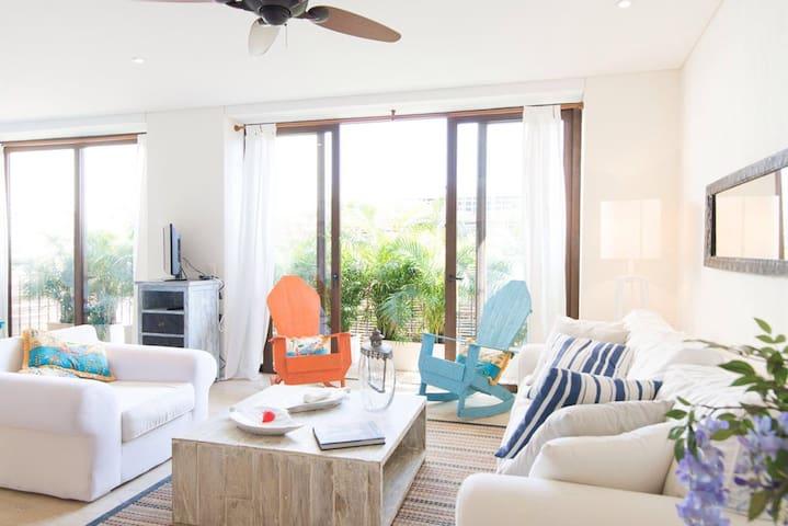 Moderno y cálido apartamento