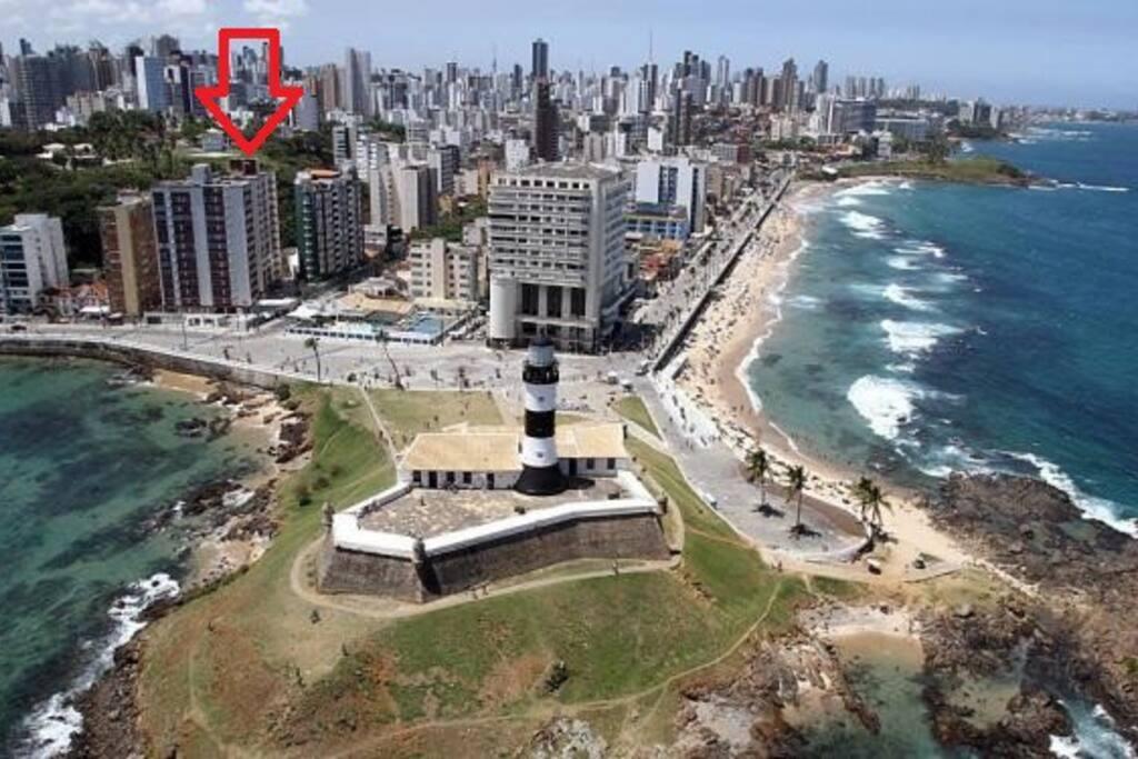 Melhor localização em frente ao Farol da Barra