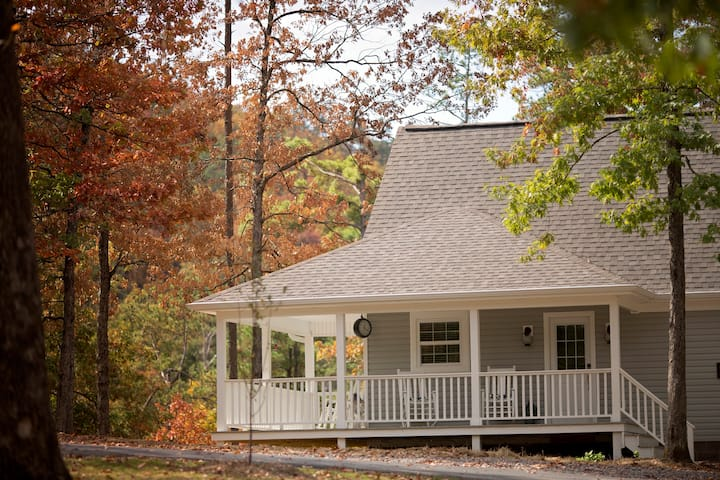 Mtn Cabin 250Acres Private Lake Swim Hiking ATV Trails Nearby Storybrook