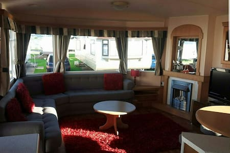 Fun packed family holiday home - Towyn