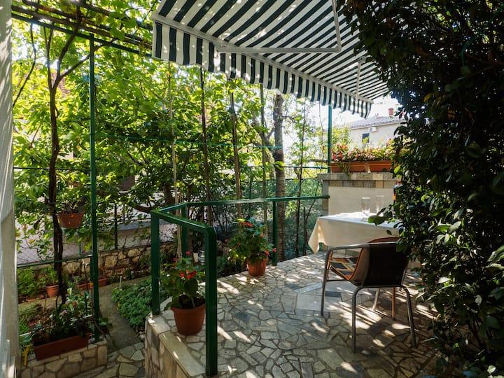 Cozy Studio With Private Terrace Barac