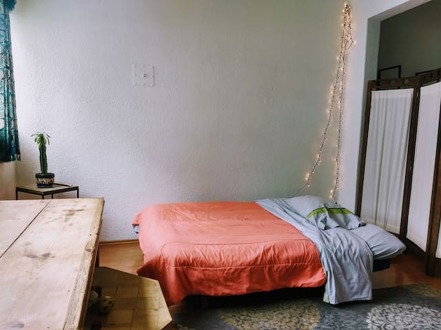 Futón y/o colchón inflable - Maravillosa Ubicación