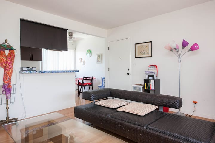 Remodeled 2 bdrm apt. in Gardena - Gardena - Apartamento