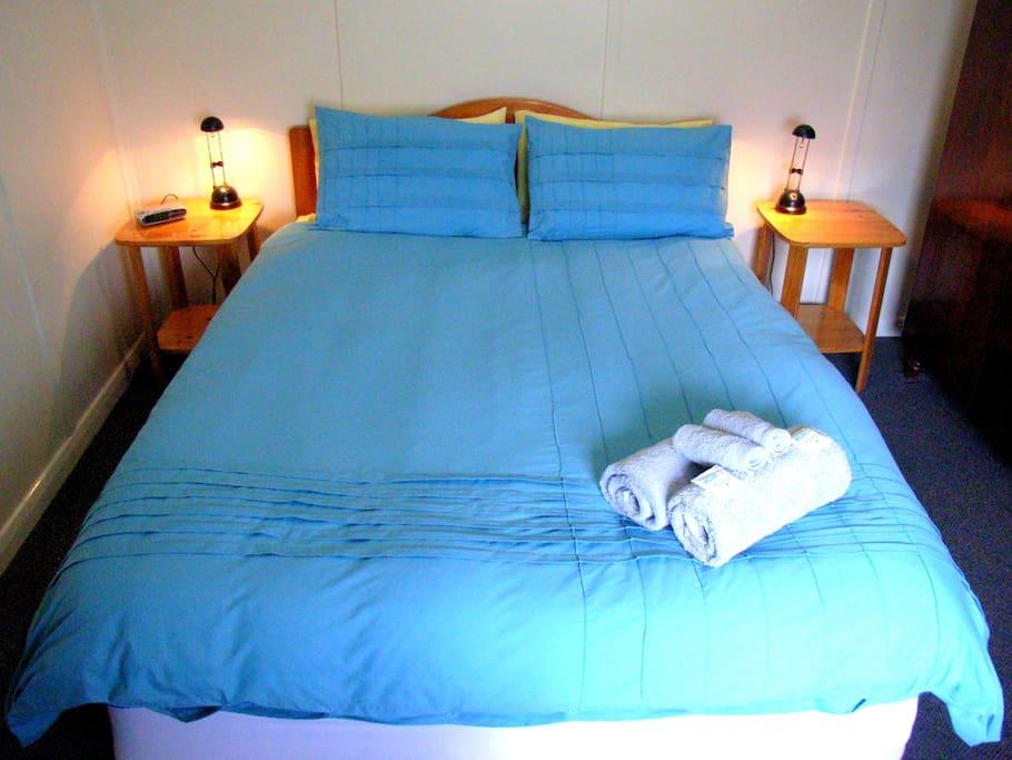 Queensize Bedroom