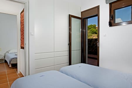 Gennadi Dreams Luxury Apartments, Apartment No 4 - Huoneisto
