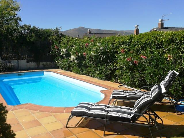 Chalet individual con piscina - Guadalix de la Sierra - Chatka w górach