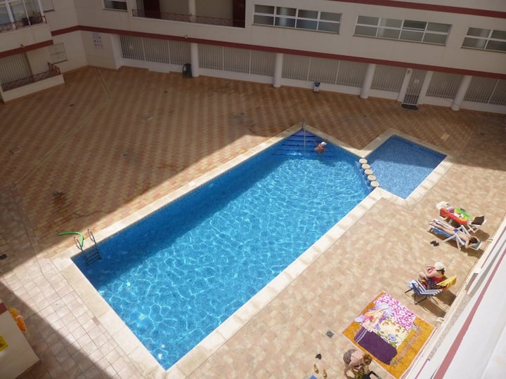 Beautiful fully airconditioned Appartment w. Pool