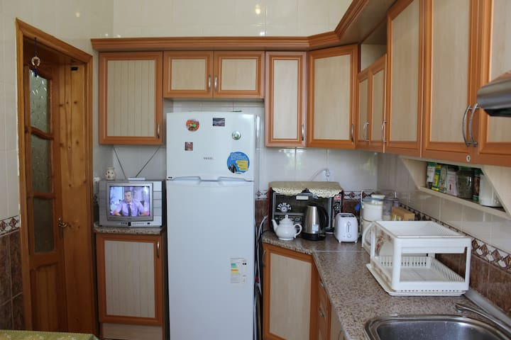 Fridge, Microwave, TV, Juicer, Bread Toaster.