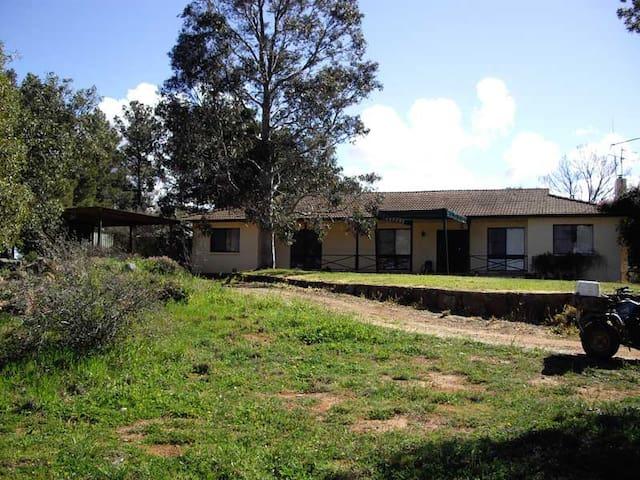 Rockview Farmstay - Wagga Wagga