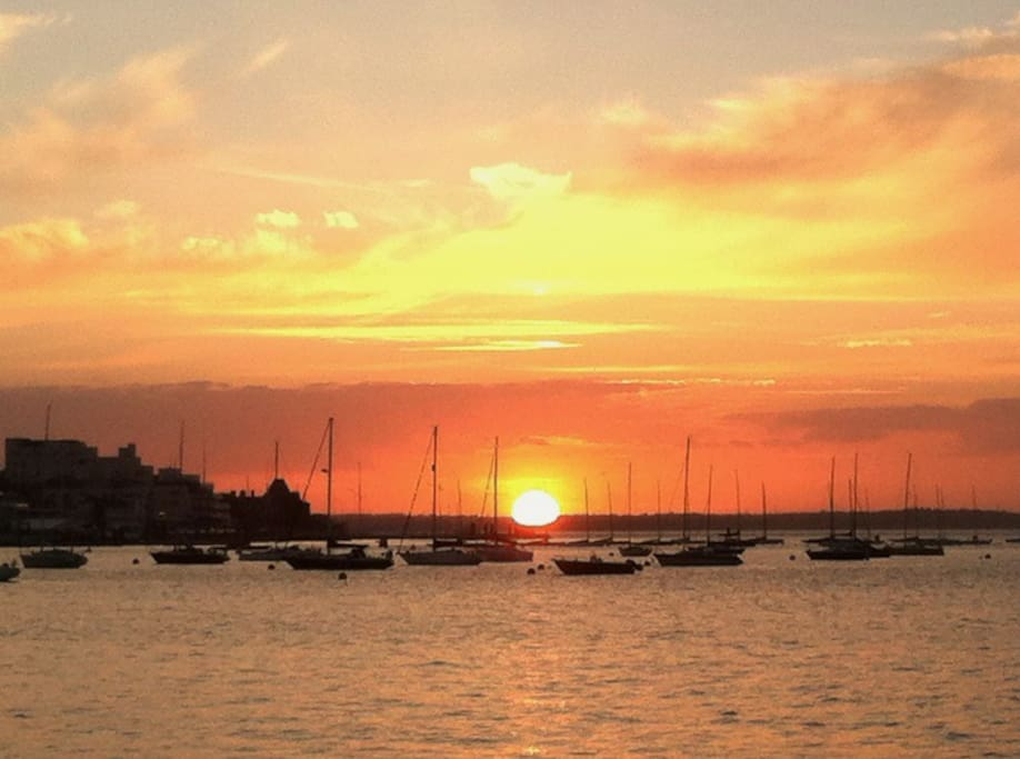 A sunset over the Solent