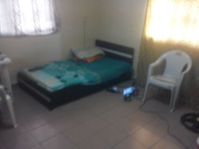 Room with bed and meals in Lekki 1 - Lekki 1 - Huoneisto