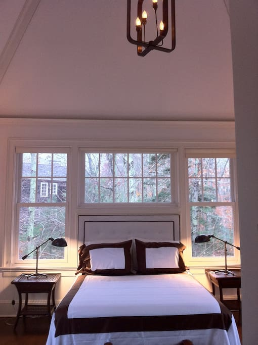 One Bedroom Nyc Apartment With A New Born Baby: One Bedroom With Cathedral Ceiling