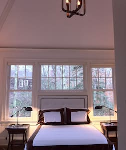 One bedroom with cathedral ceiling - 아마간셋(Amagansett)