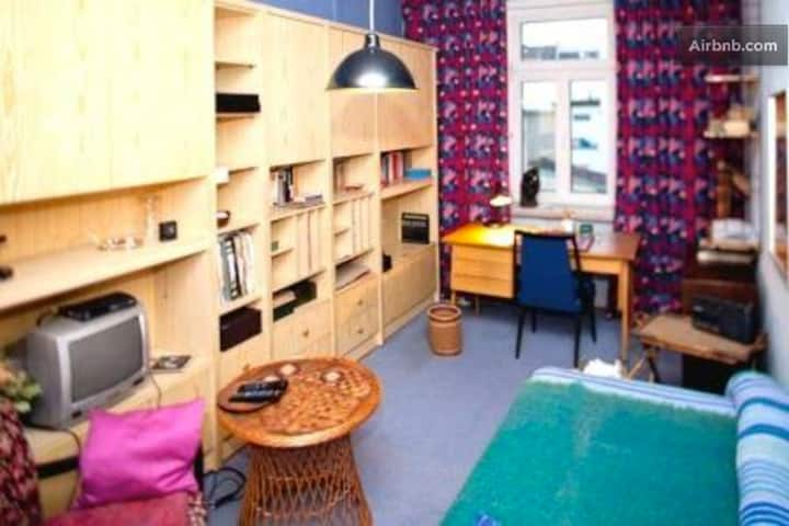 Nice room in super central location